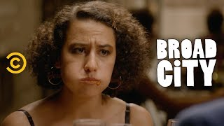Ilana and Lincoln's Anniversary Goes South Fast - Broad City