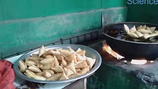 Street Food Bangladesh Somocha and Singara || বাংলাদেশের মজার খাবার সমুচা এবং সিঙ্গারা