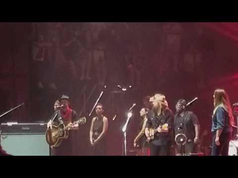 "Justin Timberlake with Chris Stapleton ""Fire Away"" at Pilgrimage Festival 92317"