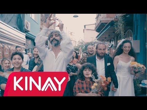 Manuş Baba Eteği Belinde Video Klip