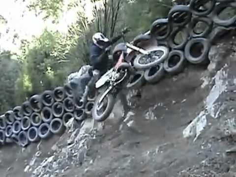 Acidentes de moto incríveis e engraçados 2013 SUBIDÃO IMPOSSÍVEL Hill Climb