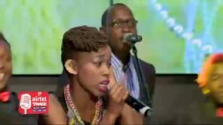 Phy performs Kipepeo by Jaguar (Airtel TRACE Music Star Finale)