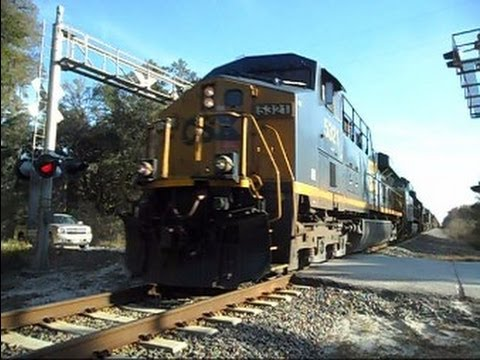 CSX Train 7 Locomotives 123 Cars Long