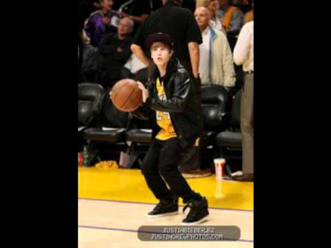 Justin Bieber Pants Fall Down and Pics in Lakers Game with Jaden Smith