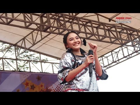 Xxx Mp4 Goyang Nasi Padang Arlida Putri Om ADELLA Live Darmayasa Banjarnegara 3gp Sex