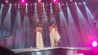 Version 2 CLOSE-UP PART 1: Regine Velasquez and Sarah Geronimo fire up the MOA ARENA stage!