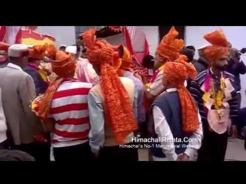 Himachali Chachu Dancing on Desi Baja Himachali Barat