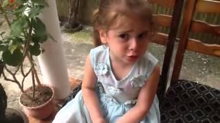"""პატარა მეგრელი გოგონა """"ბონჟურ მადმუაზელ"""""""