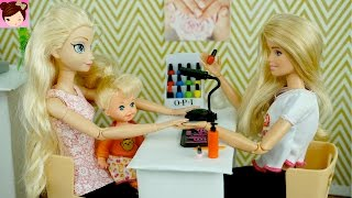 Elsa and Anna Toddlers Paint Their nails at the Barbie Salon - DIY Doll Manicure Story