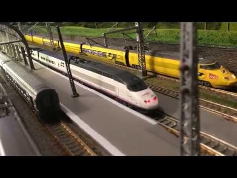 AVE 100 RO en Francia Escala N / Échelle N / N gauge / Spur N