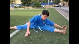 Tập luyện xoạc chân