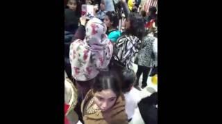 انتظار حنان الخصر في المطار 2