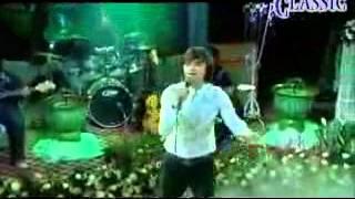 shwe htoo-ေၾကြကြြဲကမ္းပါး[Music Video]_low.mp4