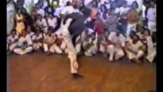 BRIGAS CAPOEIRA STREETFIGHTERS