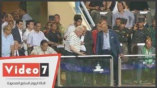 مشادة كلامية بين مرتضى منصور ومحمد إبراهيم خلال مباراة الزمالك والاتحاد