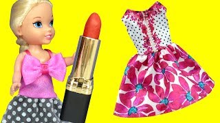 Dress up MESS ! Elsa & Anna toddlers - Dresses - Lipstick - Painting nails - Clothes - Puppy