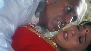 When Amrish Puri forcefully tried to molest the girl