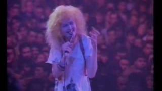 Cyndi Lauper-Girls just wanna have fun (The True Colour Tour live in Paris, France 1987)