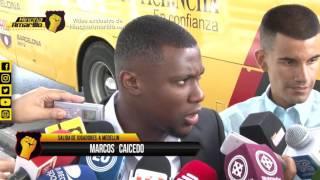 Jugadores de Barcelona salen a Medellin