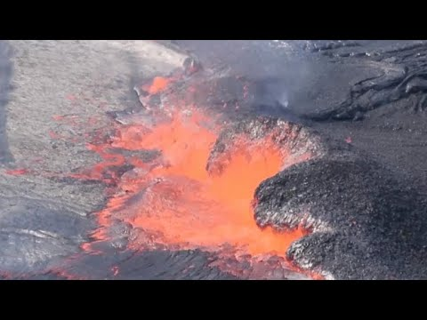 Earthquakes near Kilauea volcano are getting stronger geophysicist says