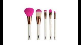 Clicks Beauty Masterclass: Make-Up Brushes