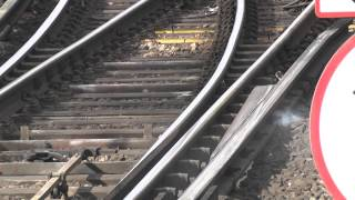 (HD) Southeastern Class 375 Set Fire To The Third Rail At Tonbridge, With Sparks