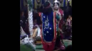 Bangla kirtan joy Radhe