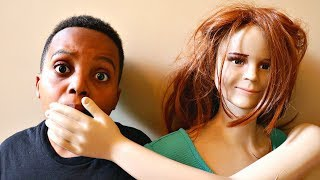 Sarah Mannequin vs Shiloh and Shasha - CRAZY MANNEQUIN CHASE!! - Onyx Kids