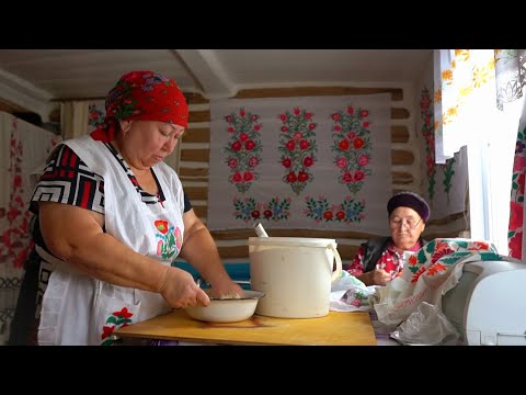 THE VILLAGE LIFE IN TATARSTAN. Making pumpkin belesh Tatar pie. LIFE in Russian contryside. ASMR