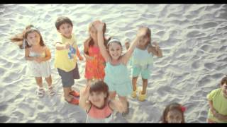 Kinder Joy New Beach Ad