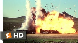 Mad Max 2: The Road Warrior - The Escape Scene (6/8) | Movieclips