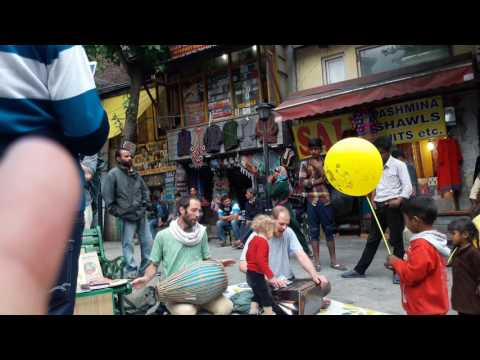 Singing bhajan by fornar