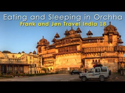 Orchha Main Street, Sheesh Mahal Hotel, Market & Restaurants - Frank & Jen Travel India 18