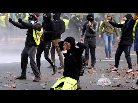Xxx Mp4 Police Arrest Around 400 Yellow Vest Protesters In Brussels 3gp Sex