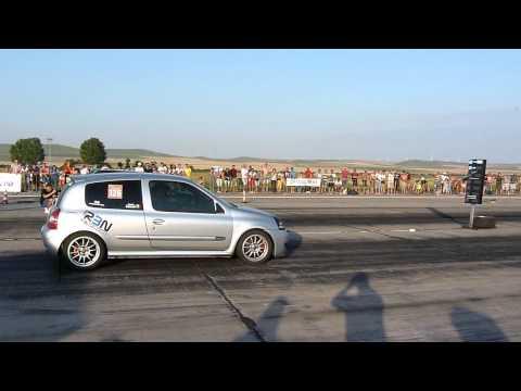 RENAULT CLIO RS vs OPEL CORSA