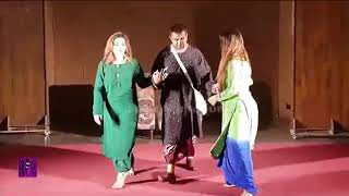 Two Sister Garma Garam Unseen Stage Mujra 2017 Jisne Ye Na Dekha Us Ne Kuch Nai Dekha Most Watch HD