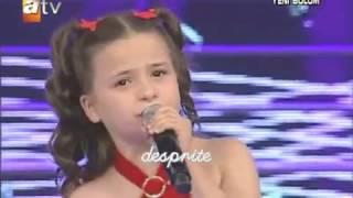 Това момиче разплака журито и публиката