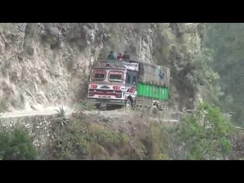 A dangerous road (Nepal) HD