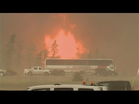 Man escapes from burning bus near Fort McMurray