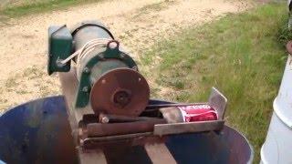 Aluminum pop can Pitman drive crusher