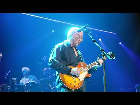 Brothers in Arms  - Mark Knopfler - Bordeaux Arkéa Arena 6 Mai 2019 Video Clip