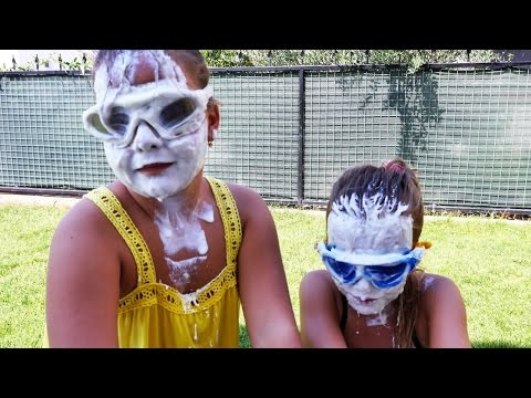 Sema ve Ayça yoğurt yarışmasında. Minişleri arıyoruz. Nail Baba'yla #yarışmaoyunları