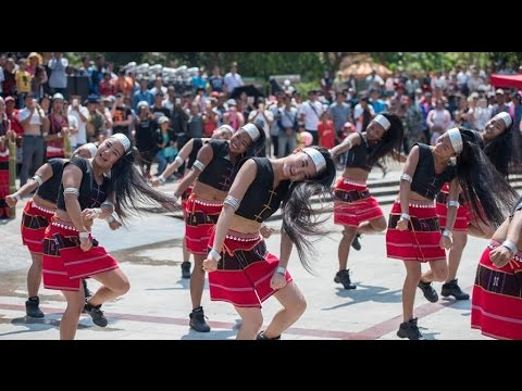 Long-hair dancing highlights ethnic festive celebrations