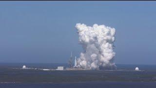 Falcon Heavy fait rugir ses 27 moteurs