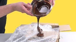 Versa il cioccolato sul pluriball: il risultato è unico.