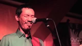 Paolo Santos Trio - Paano (Gary Valenciano) LIVE in Singapore