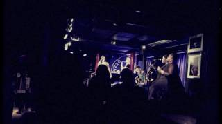Natalie Williams - Love 2 the 9's (Prince cover live at Pizza Express)