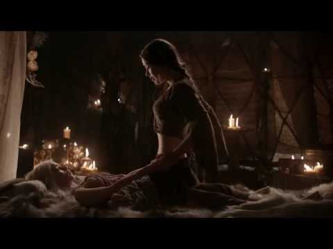 Game of Thrones S01E02 - Daenerys learns the art of seduction