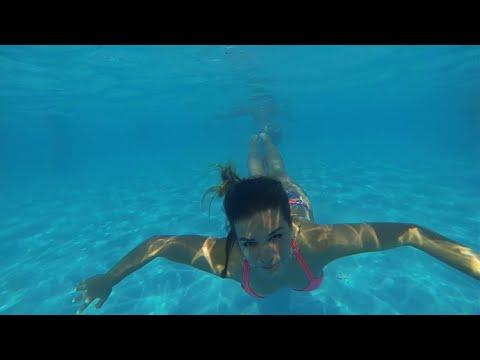 Girl Under The Sea HD