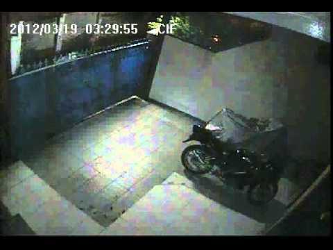 Maling Motor Gak Sadar Di Tungguin CCTV 2